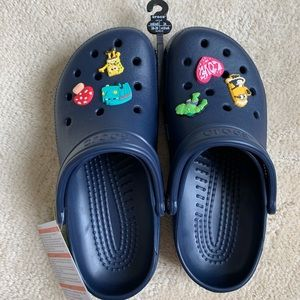 NWT Crocs with Jibbets